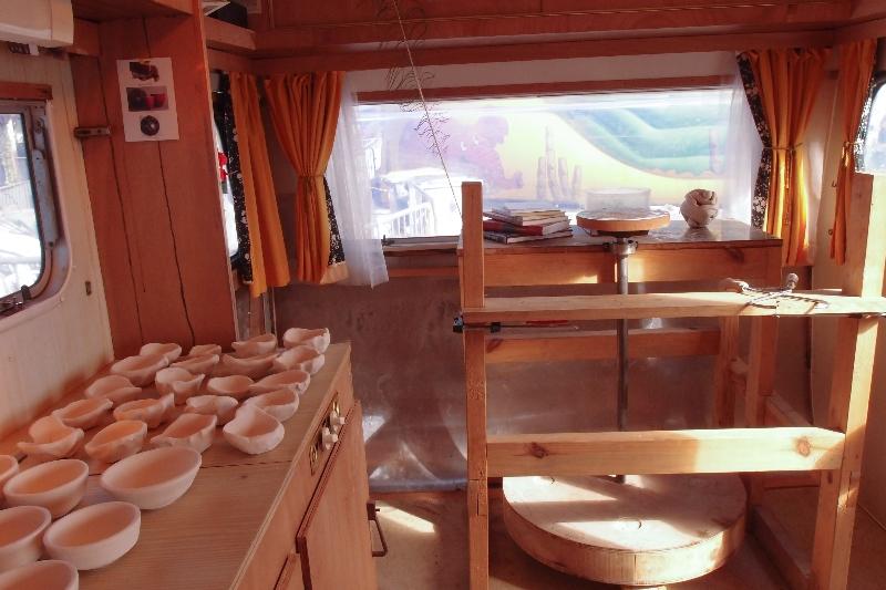 intérieur de l\'atelier caravane
