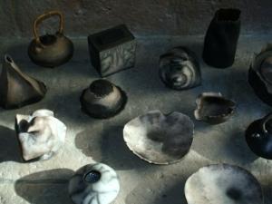 raku nu et terre polie enfumée